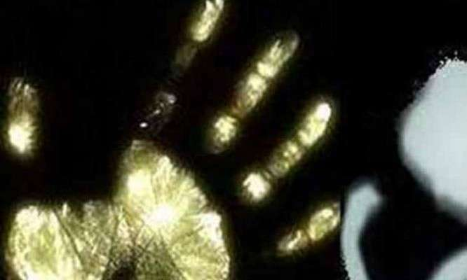 taxi-driver-rapes-delhibased-woman-tourist-murders-her-friend_111114075252