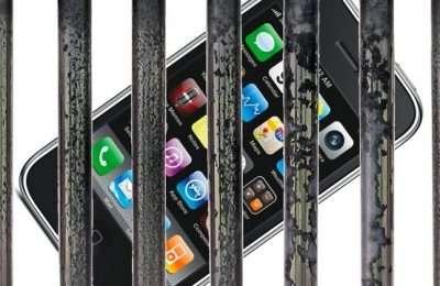 phones-in-prison