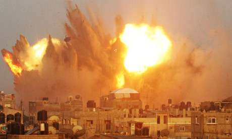Israel Resumes Air Strikes in Gaza