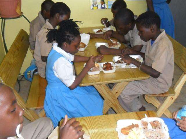 Govt to Expand School Feeding