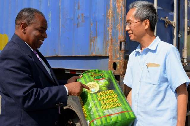 Govt Stifling Exports – Roger Chang