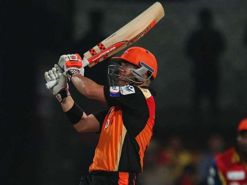 IPL: Sunrisers Defeat Royal Challengers