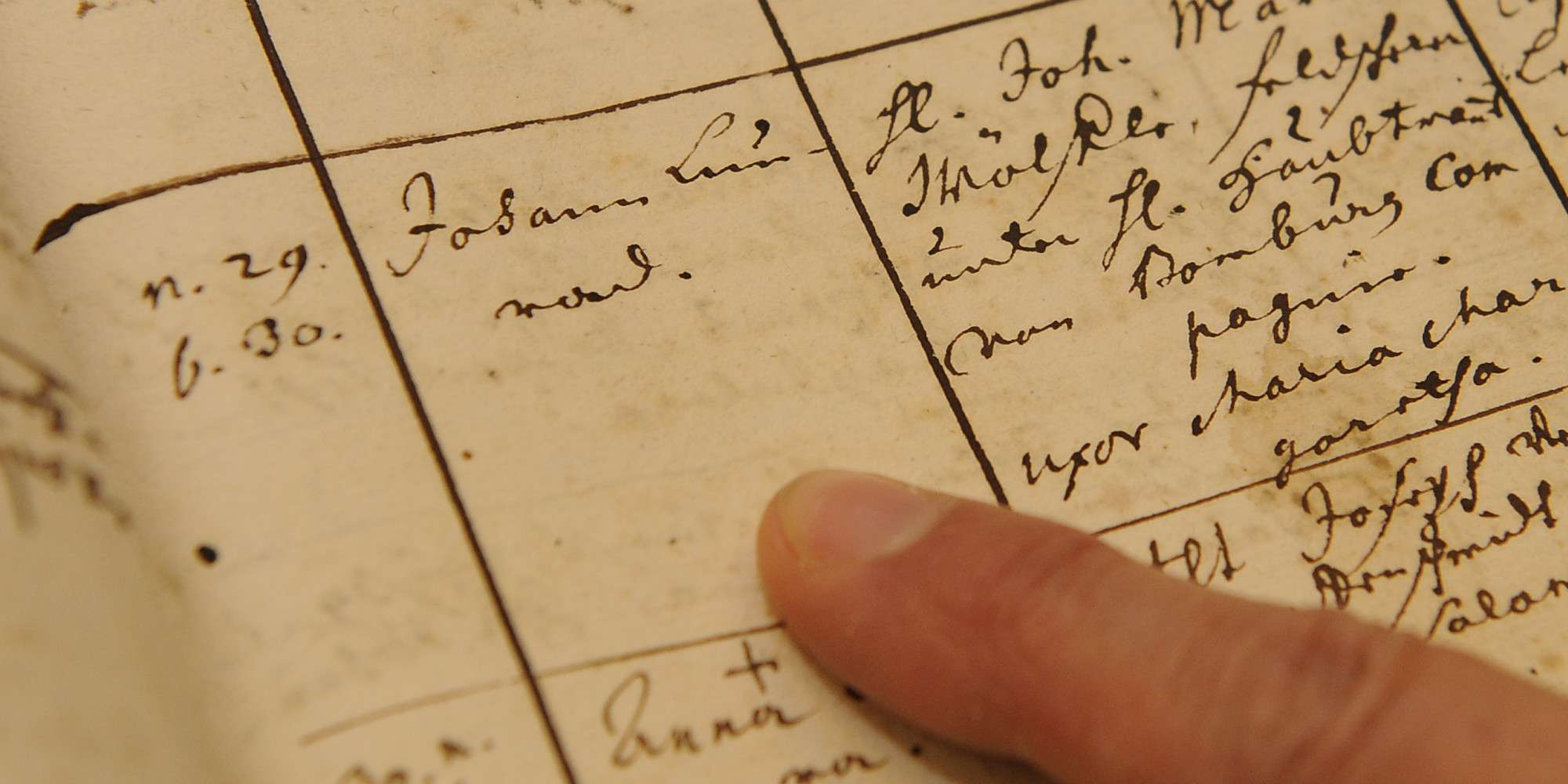 J'cans Urged to Trace Family History