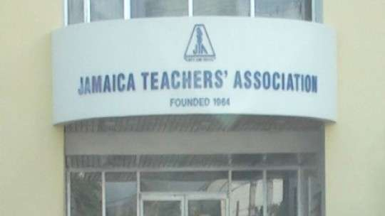 Teachers Accept Gov't 7% Wage Offer