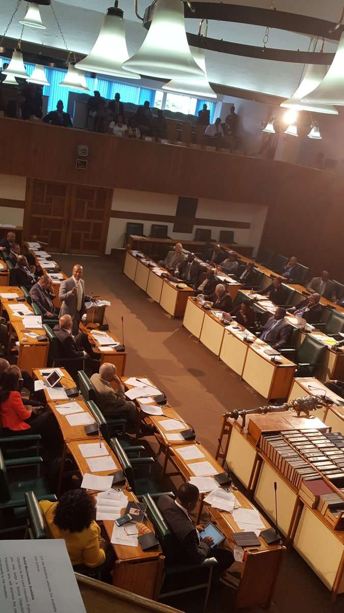 Govt & Opposition MPs Vote to Extend State of Emergency