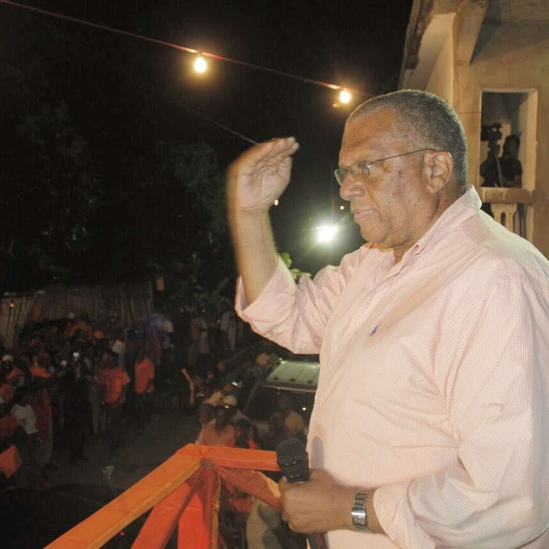 Don't Allow PNP To Become A Party Run By Money, Phillips Tells Delegates