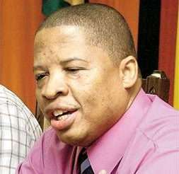 'Thwaites Threatening to Resign!', says Defeated Lawrence Rowe