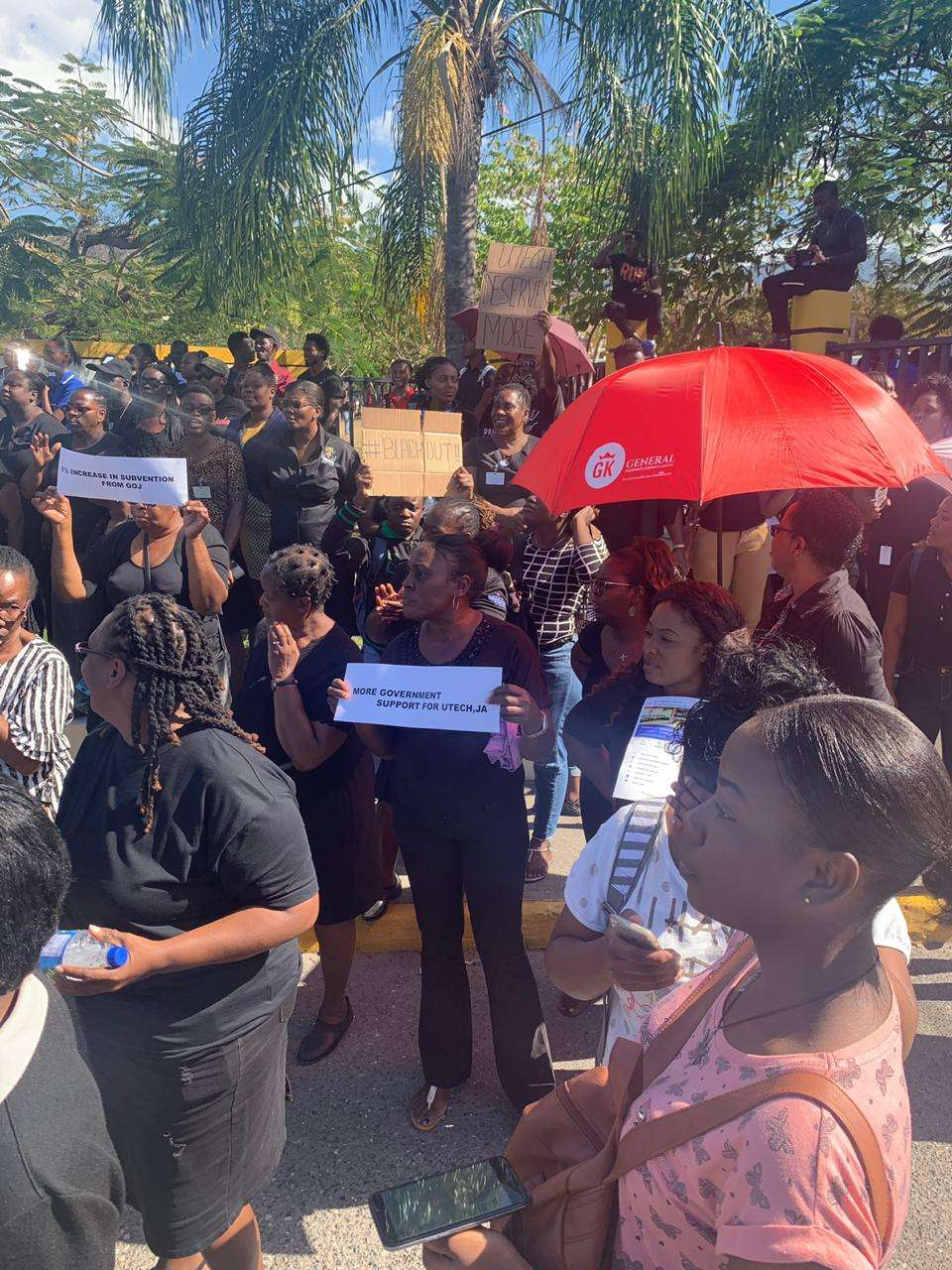 UTech Staff & Students Protest Demanding Larger Govt Subvention