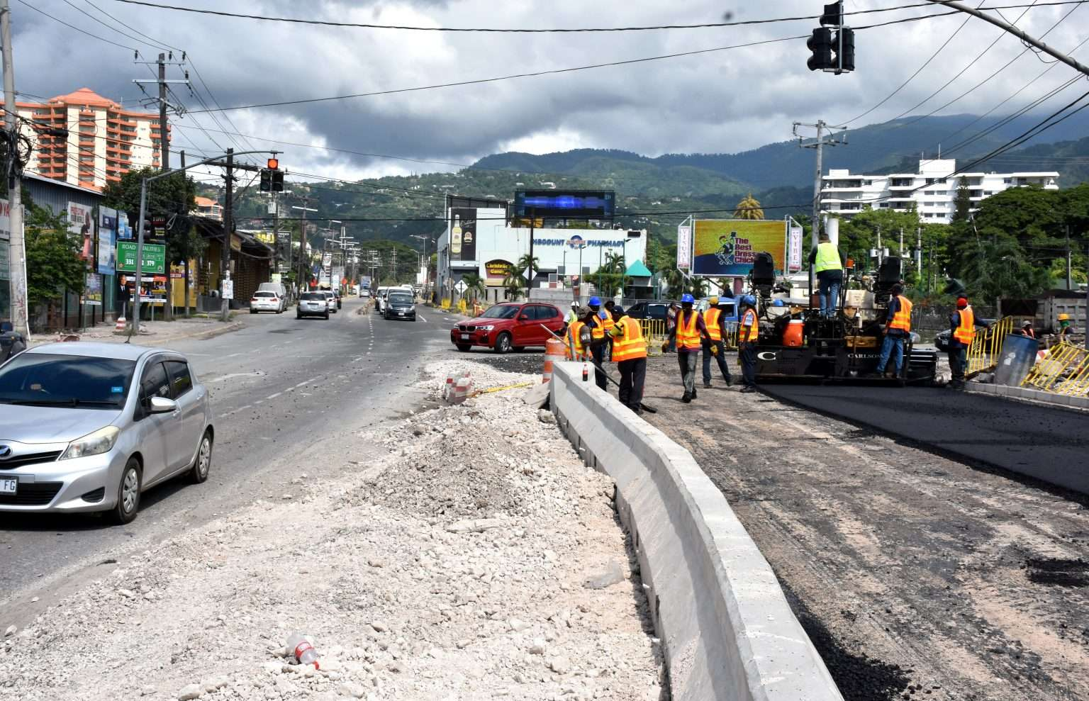 More Traffic Delays On  Constant Spring Road  As Section Of Corridor Collapses