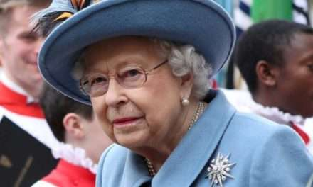 Queen to address UK on Sunday over COVID-19:  4th Special address during her 68-year reign.
