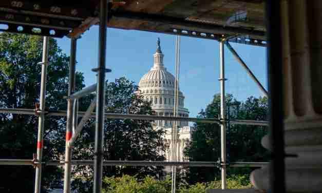 US Senators Raise Country's Debt Ceiling, Avert Financial Crisis